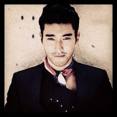Choi Siwon needs a new kdrama for me to watch him in. Like now. Right now.