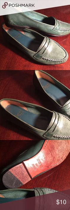 BASS loafers. Size 5 1/2 BASS loafers. Size 5 1/2 Bass Shoes Flats & Loafers