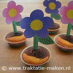 Afbeelding van de traktatie Cupcake Bloemetje http://www.traktatie-maken.nl/traktatie/Cupcake-Bloemetje