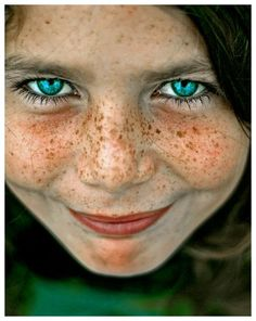 The best smile ever !.......BLUE EYES, RED HAIR AND GREAT FRECKLES.......HOW NEAT...................ccp