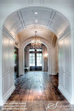 flooring interior Segreto Secrets - Design Chic Love the arched doorway and beautiful hardwood floors Style At Home, Architecture Design, Sweet Home, Interior Decorating, Interior Design, Decorating Games, Decorating Websites, House Goals, Home Fashion