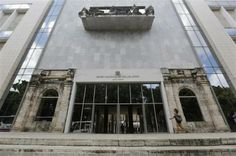 MIAMI - One of the world's leading databases of stolen works of art is offering to help the Cuban government recover dozens of modernist works missing from Havana's National Museum of Fine Arts. @Gail Regan Truax://www.reuters.com/article/2014/03/03/us-usa-cuba-art-idUSBREA1R22N20140303