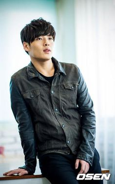 Kang Ha Neul - luscious....... Korean Male Actors, Korean Celebrities, Asian Actors, Korean Men, Korean Wave, Celebs, Really Hot Guys, Cute Guys, Asian Boys