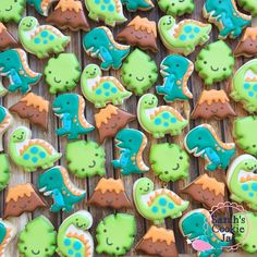 I just cannot handle the mini Dino cuteness! Thanks for making these cuties for me! Dinosaur Cookies, Dinosaur Cake, Dinosaur Food, Dinosaur Party, Mini Cookies, Cute Cookies, Dinosaur First Birthday, 3rd Birthday, Baby Dino