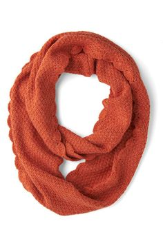 Fall, will you please hurry! I want to wear my scarves!! And add this one to the collection. :)