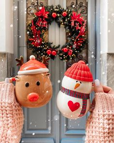 Christmas is approaching and young friends also enjoy spending a romantic Christmas Eve. Taking photos at Christmas must of course… Cosy Christmas, Christmas Feeling, Merry Little Christmas, Christmas Photos, Christmas Time, Xmas, Christmas Tumblr, Christmas Collage, Cheap Christmas