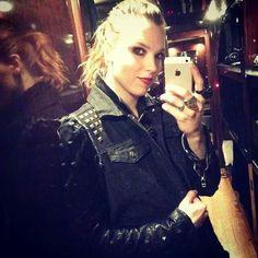 Lzzy Hale - Selfie
