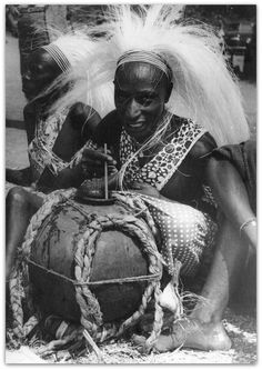 Africa Tribes, Africa Art, East Africa, Voyant Medium, Rda, African American Artwork, African Union, African Royalty, Lion Pictures