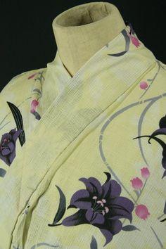Cream yukata / クリーム色地 百合と小花柄 麻混浴衣 #Kimono #Japan http://www.rakuten.co.jp/aiyama/