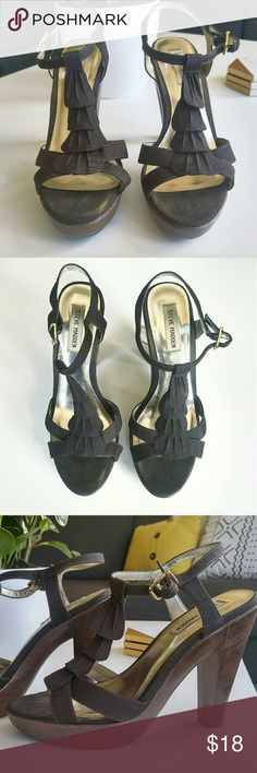 """Steve Madden Ruffle Pumps Super cute brown ruffle pumps with 3"""" wooden heel.  Worn only a handful of times. Buckle closure. Pairs perfectly with jeans or a skirt. Just in time for summmer!☀  (There are some small knicks on the back of the heel as shown in the photo.)  Size: 9.5   ⭐️ BUNDLE AND SAVE❗⭐️ Buy 2 or more items, Get an additional 10% OFF!! Steve Madden Shoes Heels"""