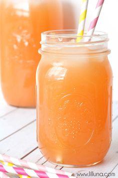 Pineapple Pink Lemonade Soda - so delicious and refreshing! { lilluna.com }