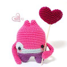 Ya puedes reservar el tuyo en http://www.darisbleu.com/tienda/monsters-in-love-jody/