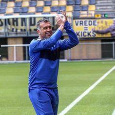 Het seizoen is weer begonnen! Vandaag trainde Roda JC voor de eerste maal dit seizoen. Hoofdtrainer Yannis Anastasiou bedankt ruim 2000(!) bezoekers voor hun steun en aanwezigheid. Vier zunt Roda! #rodajc #43