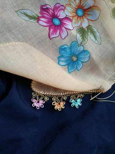Hulyasya kaptı Source by hulyasya Baby Knitting Patterns, Knitted Shawls, Knitted Poncho, Moda Emo, Knit Shoes, Needle Lace, Sweater Design, Knitting Socks, Hand Embroidery
