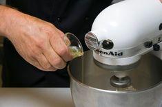 Υπέροχοι Εργολάβοι με 3 υλικά | Συνταγές - Sintayes.gr Kitchen Aid Mixer, Kitchen Appliances, Diy Kitchen Appliances, Home Appliances, Kitchen Gadgets