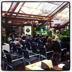 "Workshop: ""Orquídeas Dendrobium""."