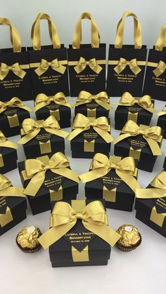Diy Graduation Cap Discover Black and gold wedding favors for guests Black & Gold wedding favor gift boxex with satin ribbon bow and names Elegant bonbonniere for candies or small souvenirs to thank guests. Gold Wedding Favors, Wedding Gift Bags, Gold Wedding Theme, Wedding Gifts For Guests, Wedding Favor Boxes, Personalized Wedding Favors, Wedding Door Hangers, Wedding Doors, Destination Wedding Welcome Bag