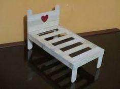 Resultado de imagen para como hacer una cama para muñecas con materiales reciclables