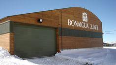 Nuestras puertas #seccionales #sandwich en #Bonaigua #Catalunya #AngelMir Garage Doors, Outdoor Decor, Home Decor, Doors, Decoration Home, Room Decor, Home Interior Design, Carriage Doors, Home Decoration