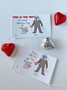 Happy Valentine's Day from Baby Yoda and Mando! Diy Valentines Cards, Valentines Day Baby, Valentine Crafts, Valentine Ideas, Printable Star, Printable Valentine, Valentine Deserts, Yoda Drawing, Baby Cartoon