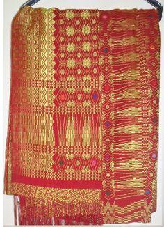 SONGKET TARUTUNG Ulos Batak, Minangkabau, Southeast Asia, Traditional Outfits, Ikat, Handicraft, Color Patterns, Bohemian Rug, Hand Weaving