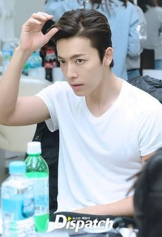 î love swing not only for the song, my donghae looks soooooo handsome Lee Donghae, Leeteuk, Heechul, Siwon, Super Junior Donghae, Ideal Girl, Dong Hae, Last Man Standing, Kpop Guys
