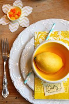 tisch verzierung zitrone gelbe blume