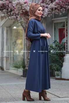 Seda Tiryaki - Lacivert İncili Esin Elbise