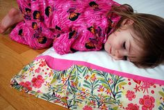 This free pillowcase pattern features a super cute little pocket for tucking in nighttime treasures. Kids can use the pillowcase pocket to store flashlights and bedtime friends. Adults can tuck in tissues, earplugs, or a mobile phone alarm clock (although I recommend putting your phone on airplane
