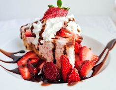 Frozen Strawberry Fluff Pie