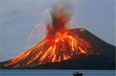 Vulcano di Stromboli, uno dei vulcani più attivi d'Europa