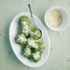 Spinatknödel mit Parmesan