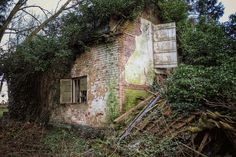 I had seen a few external pics of this place from a couple of people.so I was off to do some shopping and thought I would giv Derelict House, Derelict Places, Abandoned Houses, Norfolk, More Photos, Maine, Cottage, House Styles, Beautiful