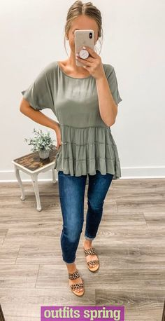 everyday outfits for moms,everyday outfits simple,everyday outfits casual,everyday outfits for women Boutique Fashion, Boutique Clothing, Southern Outfits, Estilo Jeans, Vetement Fashion, Cute Casual Outfits, Everyday Casual Outfits, Hipster Outfits, Casual Attire