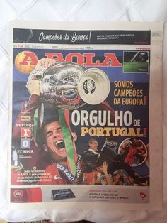 Set of 3 Newspapers PORTUGAL CHAMPIONS EURO2016 O Jogo, Record, A Bola 11/07/16 Tribune Newspaper, Newspaper Cover, Vintage Newspaper, Air Force Pictures, Portugal, Cubs Win, Lakers Kobe, Finals, Games
