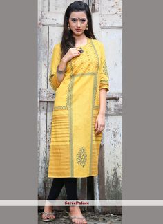 Online shopping for latest and designer kurti in different style. Buy this adorning cotton casual kurti for casual, festival and party. Celebrity Gowns, Celebrity Style, Casual Saree, Latest Sarees, Yellow Fashion, Kurta Designs, Indian Ethnic Wear, Party Wear, Beautiful Dresses