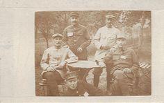 Contribution de Matthieu Delaporte, AD76  - Ernest Delaporte est assis à gauche, juillet 1917. Ernest est le frère de René Delaporte, 1 num 0008.