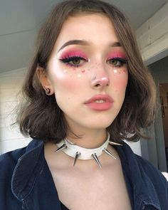 30 Festival&Party Make-Up Ideas Taking Your Look from Alright to All Nights – beauty Makeup Drawing, Makeup Art, Beauty Makeup, Hair Makeup, Soft Makeup, Ikea Makeup, Pink Makeup, Glam Makeup, Makeup Goals