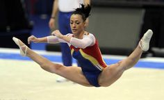 Holy hyperextension, Catalina Ponor! 2011