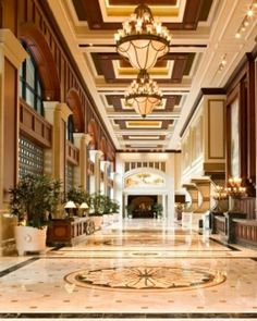 Hotel Interio Design Trends: Manchester Grand Hyatt San Diego. See also: http://www.brabbu.com/en/inspiration-and-ideas/