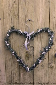 Rozmaring és papírvirág Be My Valentine, Easter, Wreaths, Spring, Blog, Decor, Hearts, Decoration, Door Wreaths