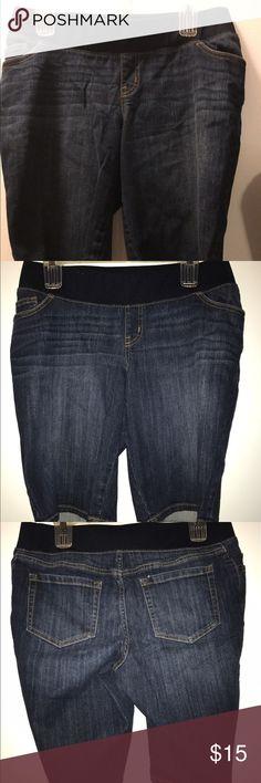 Liz lange maternity denim blue shorts Soft elastic wide waist band. Dark Blue denim. Front and rear pockets. Great condition.    (8) Liz Lange Shorts