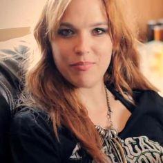 Lzzy Hale ✾ of Halestorm Black Stone Cherry, Josh Smith, Lady Gaga Pictures, Lzzy Hale, Women Of Rock, Halestorm, Eric Church, Heavy Metal Bands, Metal Girl