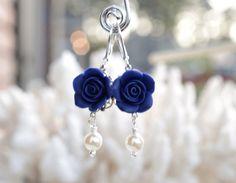 Bleu marine Rose boucles d'oreilles boucles d'oreilles par Diaszabo, $19.00
