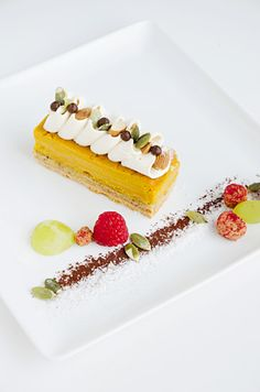 Gourmet Recipes, Baking Recipes, Cake Recipes, Food Plating Techniques, Dessert Presentation, Beautiful Desserts, Food Decoration, Cute Cakes, Culinary Arts
