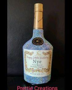 Bedazzled Liquor Bottles, Decorated Liquor Bottles, Glitter Wine Bottles, Bling Bottles, Alcohol Bottle Decorations, Alcohol Bottle Crafts, Alcohol Bottles, Wine Bottle Crafts, Diy Bottle