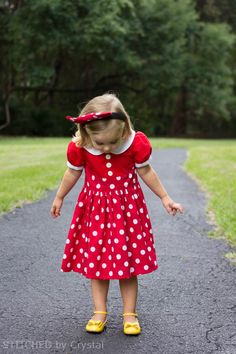 8f34de252 STITCHED by Crystal: A Minnie Mouse Dress - OMGNSS This is so cute! Minnie