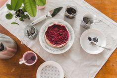 Vegaaninen juustokakku / Vegan cheesecake #raspberry #vegan #cheesecake Vegan Food, Vegan Vegetarian, Vegan Recipes, Vegan Cheesecake, Vegan Protein, Raspberry, Vegan Sos Free, Vegan Meals, Raspberries