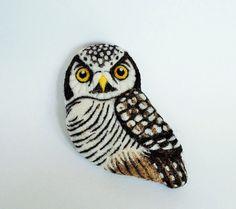 Hawk Owl  needle felted brooch от roommate на Etsy