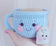 We fell head over heels for this Teacup Pincushion Crochet Pattern and you are going to love the adorable ideas that we have put together. Watch the video.